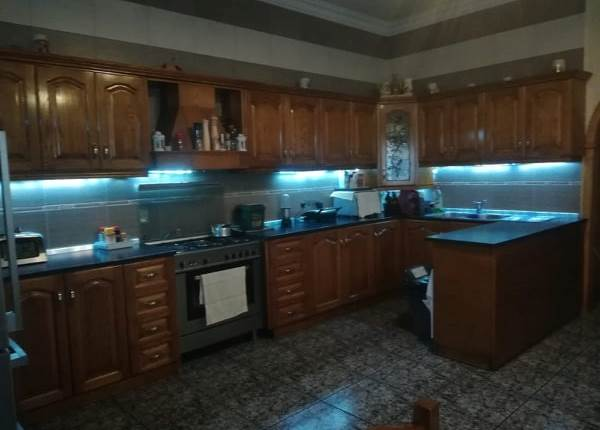 Qormi-Terraced House with 3 garages