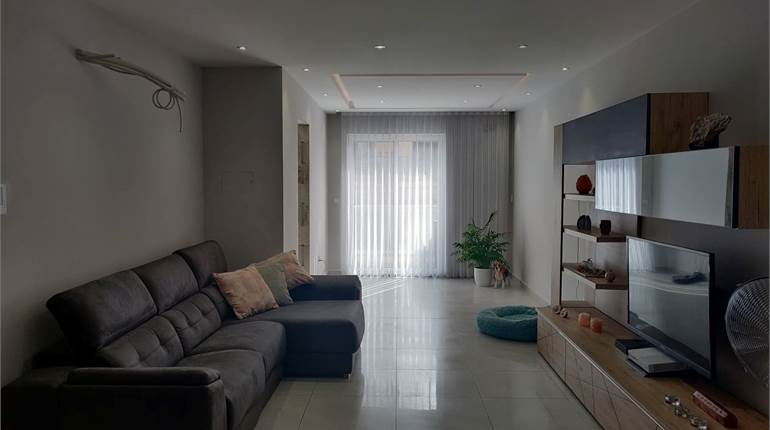 Mosta, Brand New 3 Bedroom Apartment