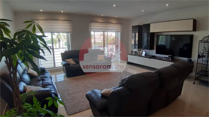 Santa Venera, 3 Bedroom Apartment-Luxury Furnished