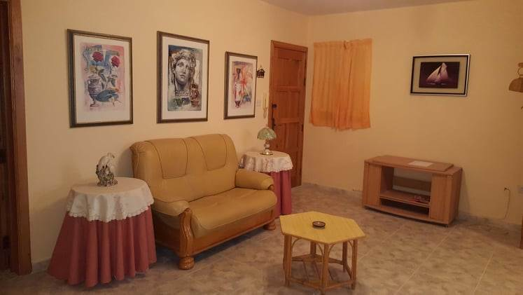 2 bedroom apartment- fully furnished