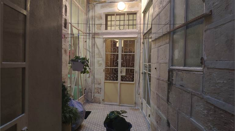 Qormi - Semi Converted Townhouse Central Courtyard