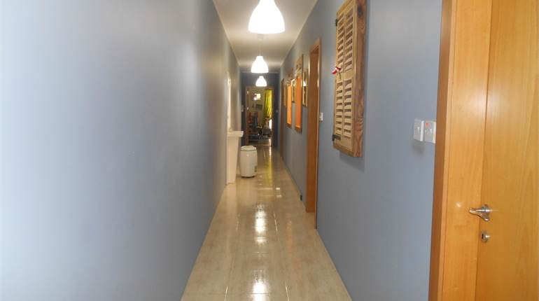 Bright & large 2nd floor Apart  Furnished