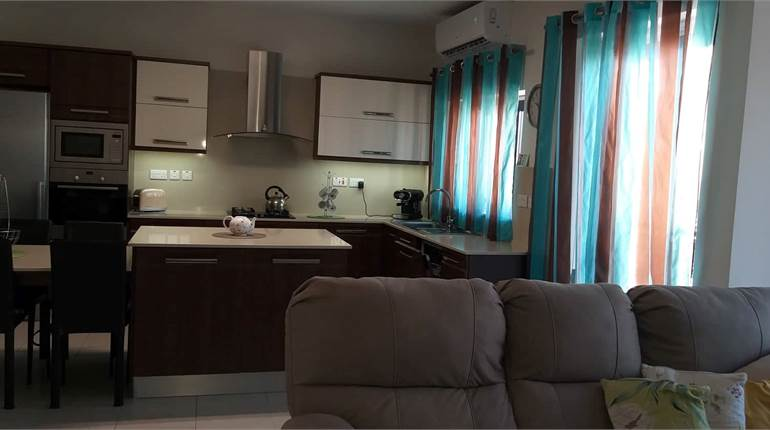 3 Bedroom Apartment / Fully Furnished /2 Terraces
