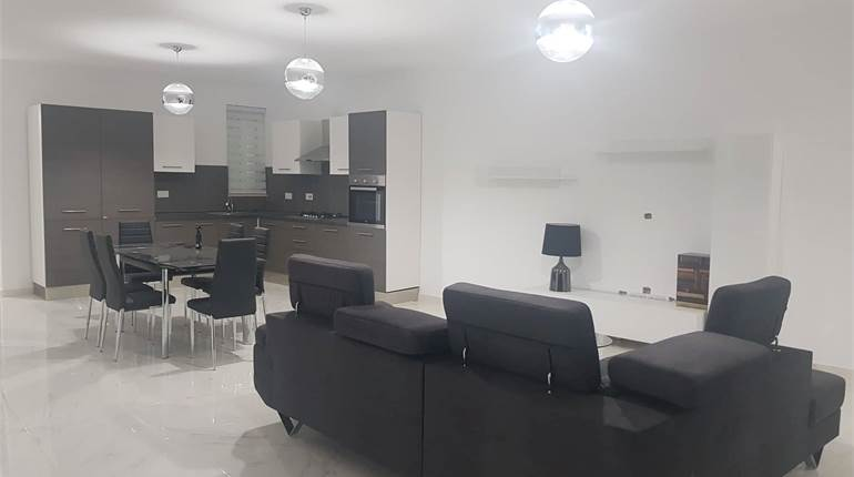 Qawra, Furnished Corner 3 Bedroom Apartment + Larg