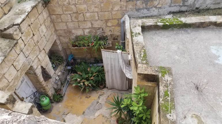 Luqa, Unconverted House Of Character + Courtyard