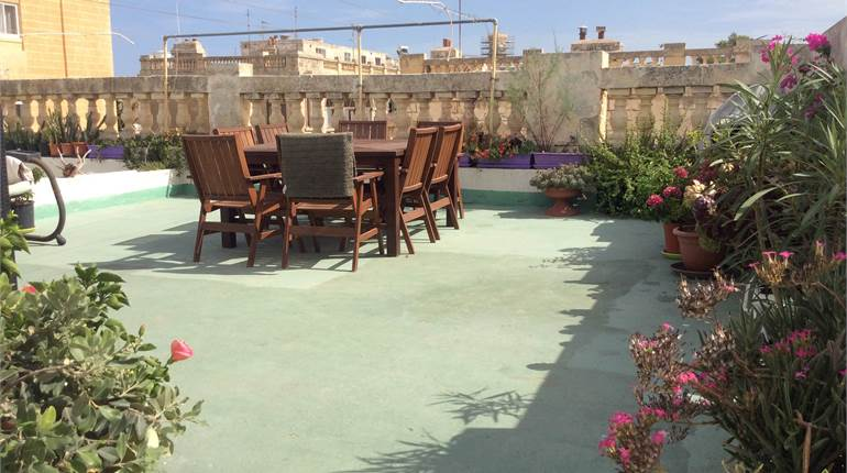 MTARFA, 3 BEDROOM APARTMENT WITH USE OF ROOF