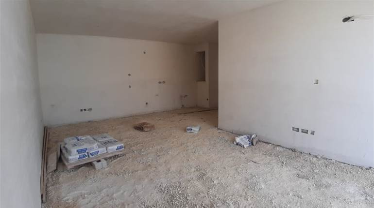 Luqa, Large Finished 2 Bedroom Apartment