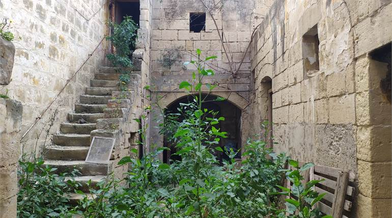 Qormi - Unconverted House Of Character