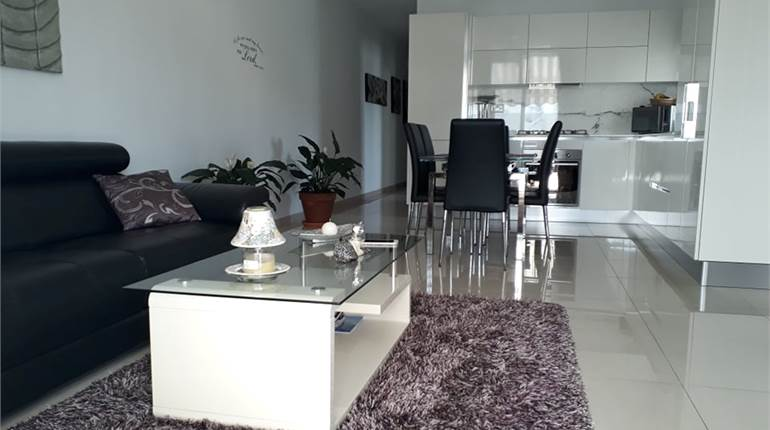 Fgura 3 Bedroom Penthouse / Airspace
